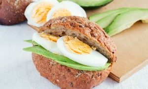 Mini-sandwich-oeuf---avocat