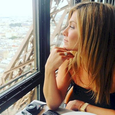 jennifer-aniston-meditation